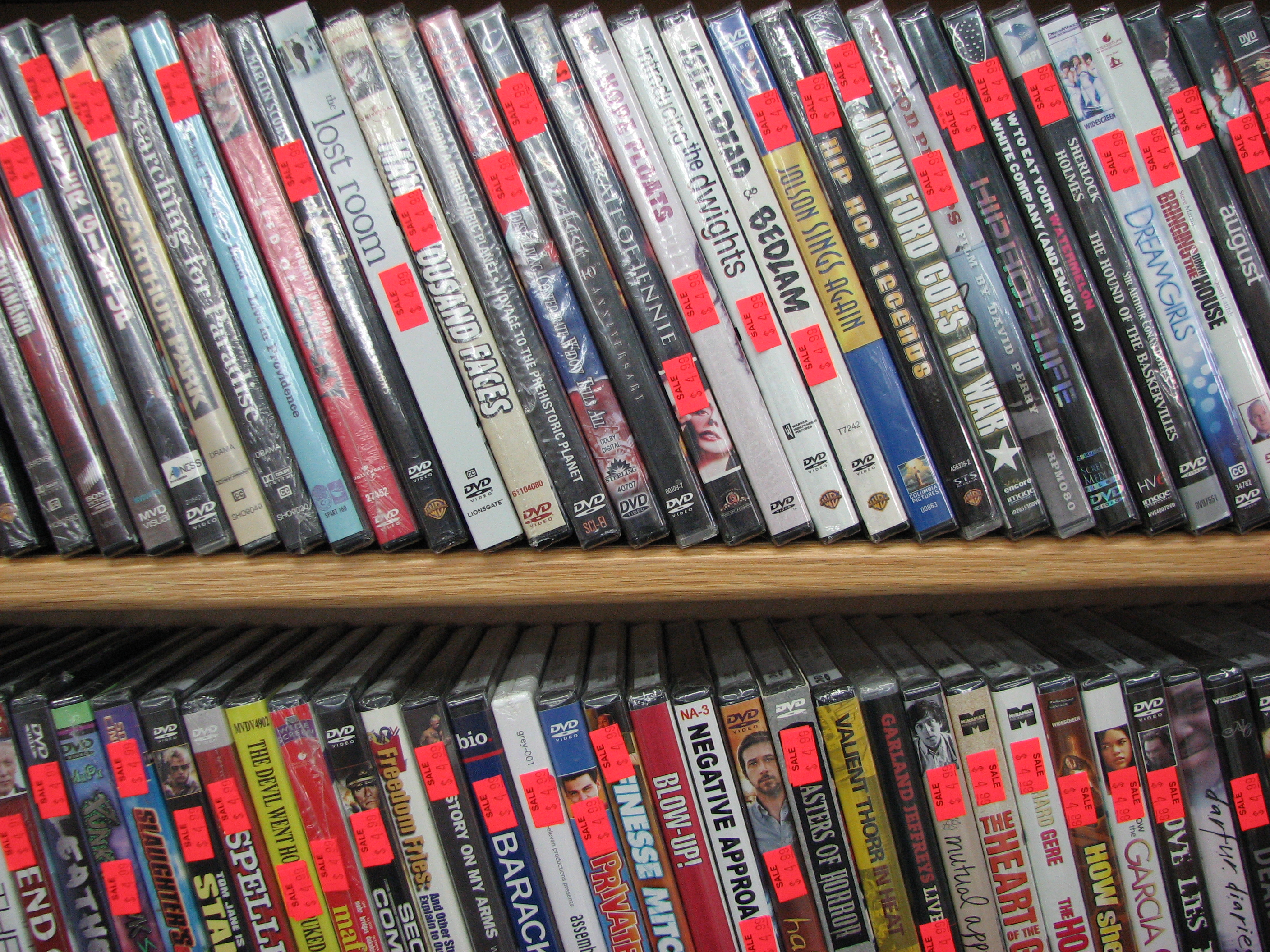 Used Dvds For Sale >> Dvd Blu Ray Beefy 4 99 6 99 Sale The Record Exchange